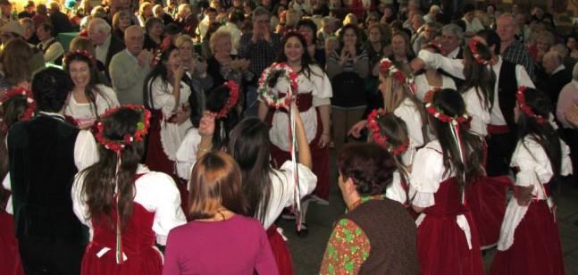 Balli e canti nella festa dei marchigiani